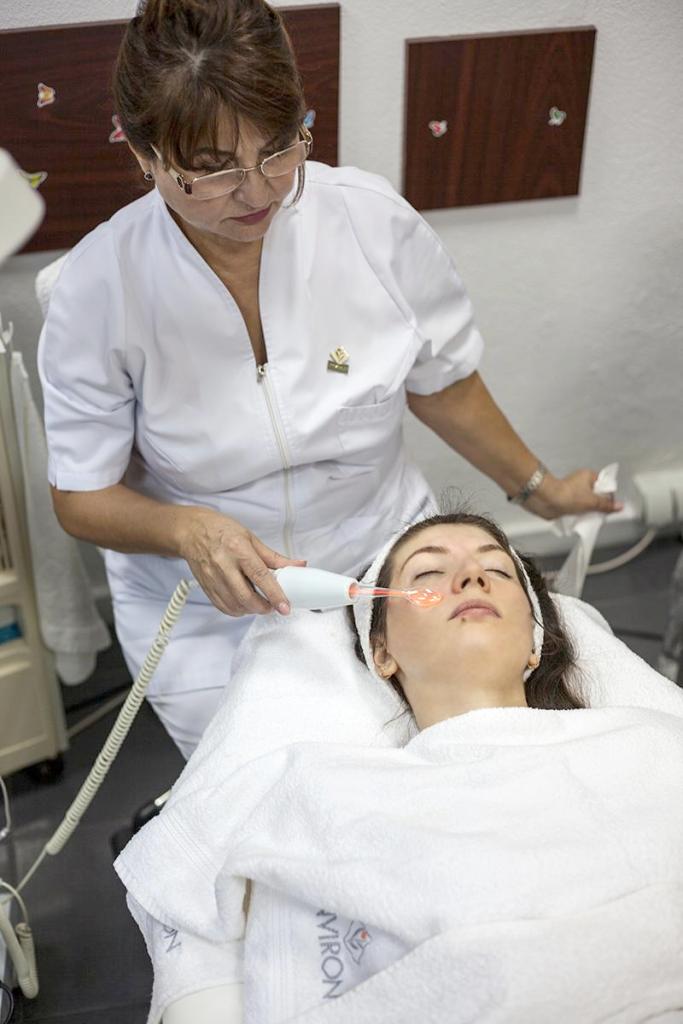 Oxigenarea tenului cu Electroderm la Institutul Environ