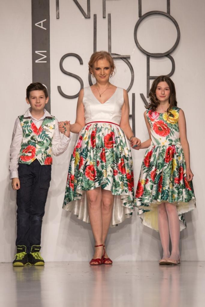 Daniela Palade in rochie cu imprimeuri florale, creata de Luiza Willems
